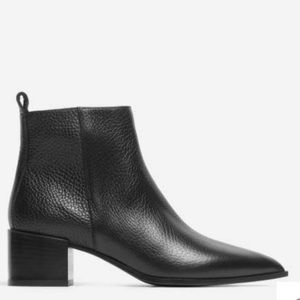 Everlane the boss boot in black pebbled leather